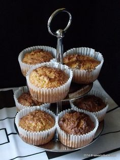 Briose-morcovi-cocos (13) Muffins, Cupcakes, Sweets, Breakfast, Desserts, Recipes, Food, Diet, Morning Coffee