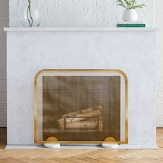 Your fire screen can be more than simply utilitarian. Make it a design statement with our Deco Fireplace Screen. Available in two beautifully designed options, it blends functionality with chic, modern style. Brass Fireplace Screen, Brick Fireplace Makeover, Fireplace Screens, Home Fireplace, Fireplace Remodel, Reface Brick Fireplace, Modern Fireplace Mantles, Prefab Fireplace, Fireplace Hearth Tiles