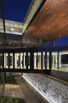 Phòng trưng bày Centra Metropark / KPF - 6