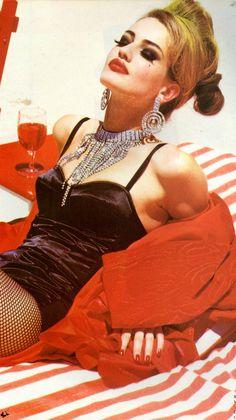 """KAREN MULDER """"Flamboyant""""Vogue Italia  October 1991 Photos: Ellen Von Unwerth <3 na"""