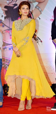 Jav I Jacqueline Fernandez. love the pop of yellow and high-low skirt! Designer Kurtis, Designer Dresses, Designer Anarkali, Indian Attire, Indian Wear, Indian Outfits, Mode Bollywood, Bollywood Fashion, Bollywood Hair