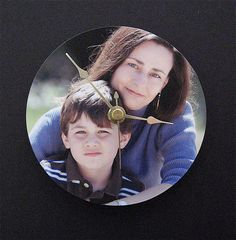 DIY Photo Clock (make your own photo clock) - contributed by Stephanie Scheetz