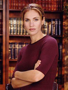 Judge Amy Grey (Amy Brenneman). Judging Amy (1999–2005). IMD: http://www.imdb.com/character/ch0032498/