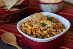 A super quick and easyone potmeal. You don't even have to boil the macaroni separately from the sauce. The macaroni cooks right in thesauce in only five minutesat high pressure. This recipe is ...