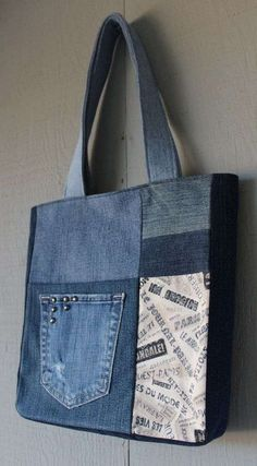 Vintage Style Typography Print Fabric and Denim Patch with Two Front Pockets Tote with Coordinating Soft Cotton Lining by AllintheJeans on Etsy Sacs Tote Bags, Denim Tote Bags, Denim Purse, Denim Skirt, Jean Purses, Purses And Bags, Jeans Patch, How To Make Purses, Denim Crafts