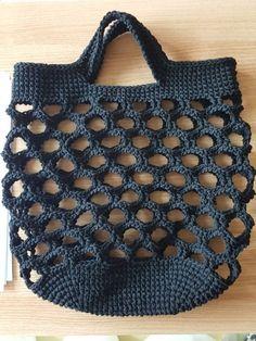 Crochet Clutch Crochet Handbags Crochet Purses Things To Make With Yarn Cute Crochet Easy Crochet Knit Crochet Knitted Bags Handmade Bags Crochet Market Bag, Crochet Tote, Crochet Handbags, Crochet Purses, Love Crochet, Diy Crochet, Filet Crochet, Single Crochet, Crochet Needles