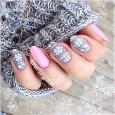Oval winter nails! Soooo cute! :)