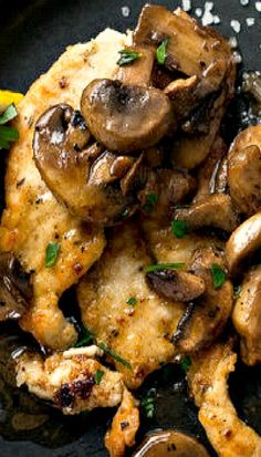 Lemon and Garlic Chicken With Mushrooms In this Provençal rendition of pan-cooked chicken breasts, the mushrooms take on and added dimension. Lemon Garlic Chicken, Chicken Parmesan Recipes, Chicken Salad Recipes, Recipe Chicken, Chicken Meals, Salsa Chicken, Keto Chicken, Pasta Recipes, Pan Cooked Chicken