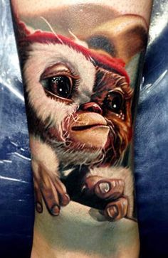 Gizmo Gremlins Tattoo by Nikko Hurtado Movie Tattoos, 3d Tattoos, Great Tattoos, Disney Tattoos, Body Art Tattoos, Sleeve Tattoos, Tattoos For Guys, Tatoos, Amazing Tattoos
