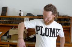 #PRINTING #INK #TYPOGRAPHY #TYPES #ART -La FAMILIA PLÓMEZ es una asociación cultural formada por amantes de la tipografía dedicada al fomento de la tipografía, mediante cursos, talleres y conferencias, y a la recuperación de la imprenta tradicional con tipos de plomo y madera.   CAMPAÑA: www.verkami.com/projects/2263  +INFO: www.familiaplomez.com