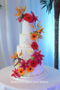 Loved making the sugar flowers on this cake, most of them for the first time, so exciting! :)