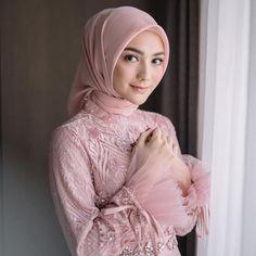 Kebaya Hijab, Kebaya Dress, Muslim Fashion, Hijab Fashion, Fashion Dresses, Dress Brukat, Muslimah Wedding Dress, Model Kebaya, Dress Patterns