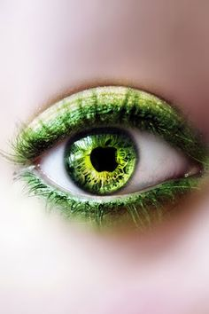 64 ideas for eye color meaning life Go Green, Green Eyes, Green Colors, Olive Green, Eyes Wallpaper, Wallpaper Backgrounds, Iphone Wallpapers, Pretty Eyes, Beautiful Eyes