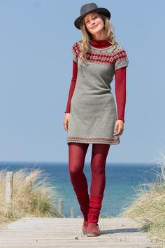 Geelong Kurzarmkleid mit Jacquardpasse! Winterwarmes, leicht tailliertes Kleid aus 100% kuschelweicher Schurwolle