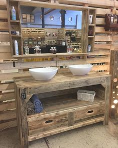 Large rustic furniture for the bathroom with pallets, which contains drawers, a shelf and the two valleys you can see. Also in September we can find a huge mirror with shelves. The… - Bathroom Decor Ideas Rustic Bathroom Cabinet, Pallet Bathroom, Rustic Bathroom Designs, Rustic Bathrooms, Pallet Vanity, Bathroom Ideas, Diy Pallet Furniture, Farmhouse Furniture, Bathroom Furniture