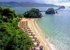 Gran Bahia Principe Cayacoa  Samana, Republique Dominicaine Directement sur la plage, à flanc de colline, ce nouveau complexe hôtelier de taille moyenne est situé au milieu d'une végétation luxuriante dans la péninsule de Samana. Jaimonvoyage.com