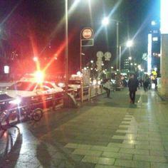 Shibuya, Meiji Street! そーいえば、今日の会社からの帰り道、渋谷・明治通り沿いに大量のパトカーと警察官。何だったんだろ。