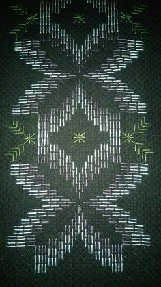 Bargello, Diy And Crafts, Plant Leaves, Elsa, Straight Stitch, Dish Towels, Ideas, Dishes, Bath Linens