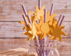 I couldn't find straws in time for the party but I wanted to do this. Rapunzel Birthday Cake, Tangled Birthday Party, 4th Birthday Parties, Birthday Fun, Tangled Wedding, Birthday Ideas, Rapunzel Disney, Theme Mickey, Summer Pool Party