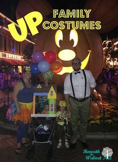 Family Costume Idea Run Disney Costumes, Running Costumes, Scary Costumes, Family Costumes, Diy Halloween Costumes, Costume Ideas, Twin Halloween, Disney Halloween, Halloween 2019
