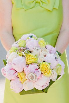 rose bouquet with brooches.