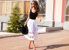 Beautiful sexy young brunette girl with long thick wavy hair thin slender figure perfect body and pretty face make-up wearing a light pink suit delicate high heels.Walk on the street in casual style Petite Outfits, Petite Dresses, Best Petite Jeans, Petite Clothing Stores, Stylish Petite, Wavy Haircuts, Pink Suit, Insta Look, Runway