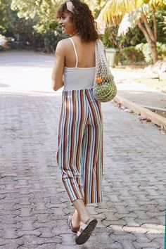 Uo ant knit cropped pant in 2019 new arrivals луки Summer Fashion For Teens, Summer Fashion Outfits, Fashion Over 40, Trendy Outfits, Cute Outfits, Urban Fashion, Boho Fashion, Fashion Trends, Street Fashion