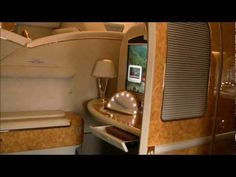 Flying Emirates FIRST Class Suite on Boeing