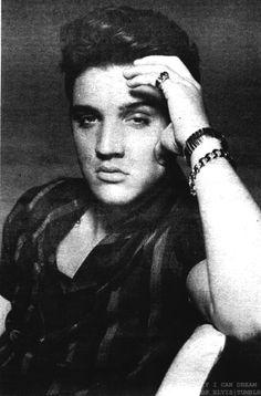 Elvis Presley ❤ - elvis-presley Photo