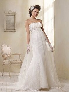 Alfred Angelo Modern Vintage Style 8504 Wedding Dress
