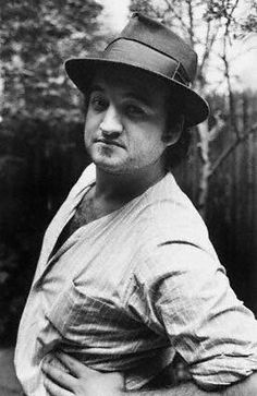5 mart 1982 John Adam Belushi (January 1949 – March was an American comedian, actor, and musician. Hollywood Stars, Classic Hollywood, Tv Star, Denis Villeneuve, The Blues Brothers, Raining Men, Saturday Night Live, Before Us, Movies