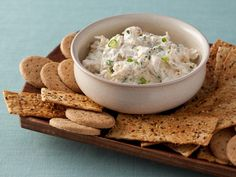 Hot Crab Dip Recipe : Food Network Kitchen : Food Network - Reduced fat cream cheese and sour cream give this dip its signature creamy texture with less fat. Crab boil spice, lemon and fresh herbs add more low-cal flavor. Healthy Appetizers, Appetizer Dips, Appetizer Recipes, Healthy Meals, Healthy Dips, Appetizer Party, Party Recipes, Eat Healthy, Healthy Cooking