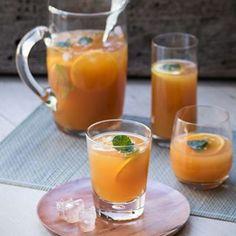 Iced Rooibos Tea with Orange, Lemon & Ginger Orange Drinks, Orange Tea, Iced Tea Recipes, Fruit Recipes, Vegan Recipes, Refreshing Drinks, Yummy Drinks, South African Recipes, Detox Drinks