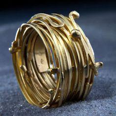 bague nid en or 18 carats de laurence oppermann pour l'atelier des bijoux createurs