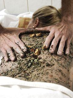 Manchmal ist es das Beste, den Tag abzuhaken und sich einfach eine Massage zu gönnen. #molzbachhof #hotelmolzbachhof #wellness #entspannung #kirchbergamwechsel #niederösterreich #massagen