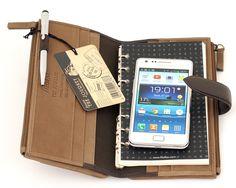 "Filofax ""Journey"" found on http://www.stylo.com.ro/blog/wp-content/uploads/2013/11/portofel-filofax-journey-cu-telefon-si-agenda-piele_01.jpg"