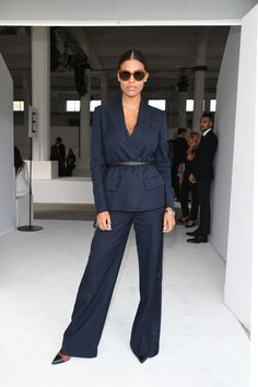Le style de Tina Kunakey en 11 looks Vincent Cassel, Extra Petite, Ashley Olsen, Vogue Paris, Tina Kunakey, Fall Outfits, Fashion Outfits, All Black Outfit, Office Looks