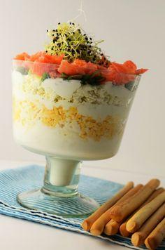 salata de oua cu telemea si somon Panna Cotta, Food And Drink, Fish, Ethnic Recipes, Empire, Salads, Dulce De Leche