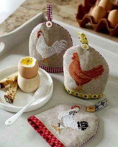 Lovely heart things: needlework, decor and much more: Easter embroidery Cross Stitch Kitchen, Cross Stitch Bird, Cross Stitch Animals, Cross Stitch Designs, Cross Stitching, Cross Stitch Embroidery, Hand Embroidery, Cross Stitch Patterns, Sewing Crafts