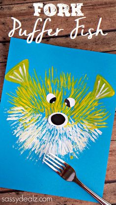 fork puffer fish painting craft, featured in ocean theme week home preschool #oceancraftsforkids