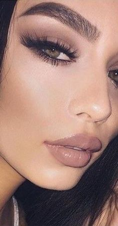 Nude & Glosy Lips + Lashes + Contouring + Taupe Eyeshadow