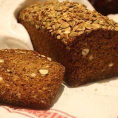 Mitt nyttiga filmjölksbröd | Mitt kök Keto Holiday, Holiday Recipes, Bread Recipes, Vegan Recipes, Our Daily Bread, Swedish Recipes, Bread Cake, Bread Baking, Banana Bread