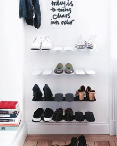 Time to pick out your favourite shoes for the season. Perfect to store with our smart shoe shelf Step☀️ #mazeinterior #shoeshelf #step #store #scandinaviandesign #interior #inspiration #madeinsweden