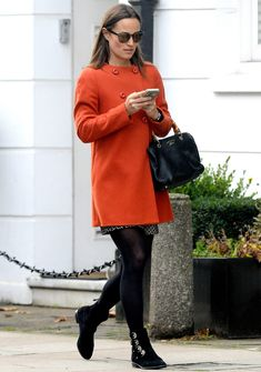 Pippa Middleton Dress, Middleton Family, Posh Clothing, Clothing Ideas, Kate And Pippa, Perfect Fall Outfit, Only Fashion, Leather Leggings, Cool Style