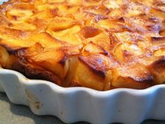 Flognarde limousine aux pommes – Recettes Discover our easy and quick recipe for apple flognarde limousine on Cuisine Actuelle! Quick Recipes, Apple Recipes, Gluten Free Recipes, New Recipes, Vegetarian Recipes, Healthy Recipes, Fun Desserts, Dessert Recipes, Macaroni And Cheese