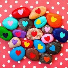 Good morning!! And we just love these Friendship Heart Stones for Valentine's Day (is it too early to talk about Valentine's Day??) ❤️❤️❤️ featured over on FunCraftsKids.com today ❤️❤️❤️ . #heart #pebbles #kidscrafts #valentinescraft #loveheart #homeed  #magicineveryday #thepursuitofjoyproject #documentyourdays #ig_motherhood #flashesofdelight #nothingisordinary  #lifecloseup  #motherhoodunplugged #artwithkids #kidscrafts101 #kidsart #thelanguageofart  #candidchildhood #childhoodunplugged…