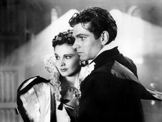 """Vivien Leigh (1913-1967) and Laurence Olivier (1907-1989) in """"Fire Over England"""" directed by William K.  Howard, 1937"""