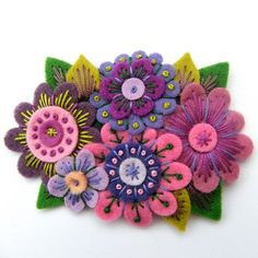 beautiful colors - felt flowers with embroidery Felted Wool Crafts, Felt Crafts, Felt Flowers, Fabric Flowers, Wool Embroidery, Flower Embroidery, Japanese Embroidery, Flower Applique, Embroidered Flowers