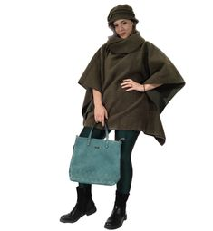 Wool green woman poncho with hat .Warm, comparable and easy to wear . Handmade unique poncho.Style poncho with hat.#wool#woman#poncho#handmade#hat#design#sewn#style#girl#gift#wear#warm#comparable#beautiful#winter#classic#vintage#winter Wool Poncho, Vintage Winter, Girl Gifts, Classic Style, Normcore, Hat, Woman, Trending Outfits, Green