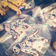 Dog and puppy hand decorated gingerbread biscuits for fortnum and masons by my good friend Ellie. Dog Cookies, Cupcake Cookies, Cupcakes, Gluten Free Crackers, Gluten Free Cookies, Fortnum And Mason, Allrecipes, My Best Friend, Tea Time